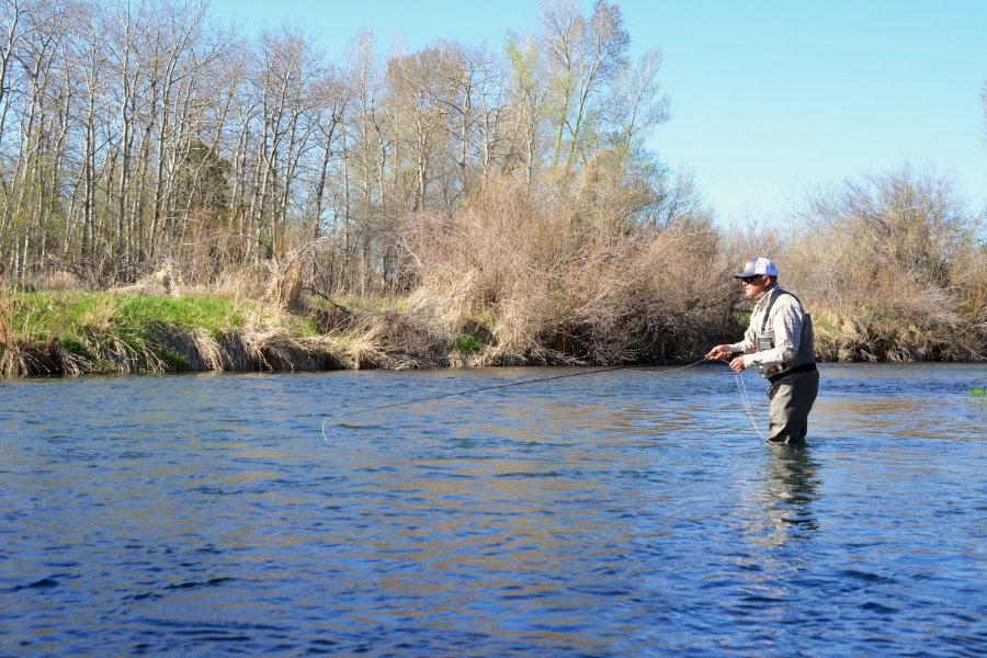 angler-wade-fishing-depuys