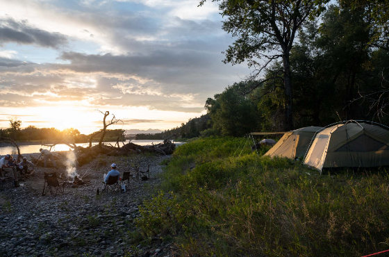 Montana riverside camping on Yellowstone River